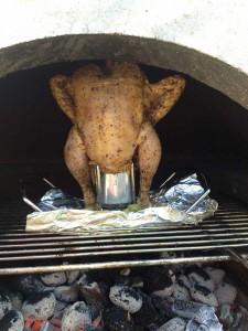 Beer Bud Chicken auf dem Holzkohlegrill
